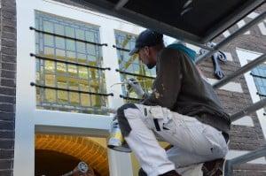 Precisiewerk kozijn stadhuis Alkmaar door Breed Schilderwerken