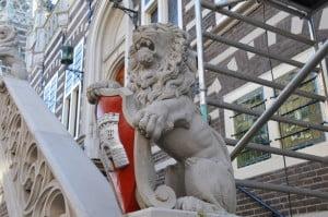 alkmaarse leeuw stadhuis Alkmaar Breed Schilderwerken
